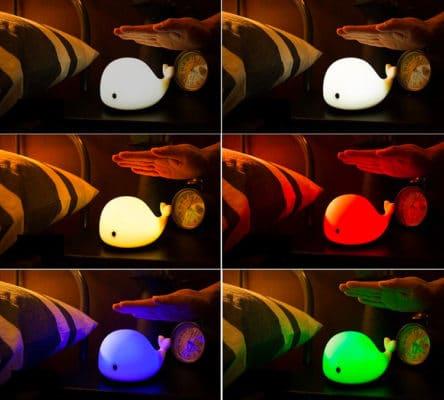 Đèn có 6 chế độ ánh sáng, mỗi lần vỗ vào đèn là đèn đổi màu